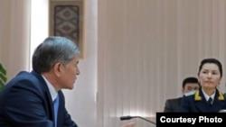 Салянова жана президент Атамбаев