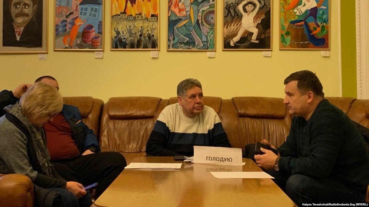 Лидеры шахтерских профсоюзов продолжают голодовку в помещении Львовской ОГА