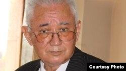 1988-1995 жылдары Азаттық радиосы қазақ редакциясының директоры болған Хасен Оралтай.