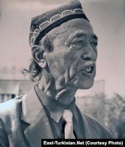 Юсупбек Мухлиси.
