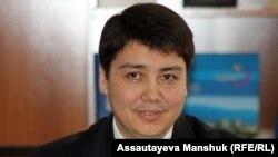 Еңбек және халықты әлеуметтік қорғау министрі Серік Әбденов. Алматы, 26 сәуір 2013 жыл.