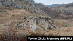 Остатки строительства совмещенного командного пункта командующего Черноморским флотом и командующего авиацией флота