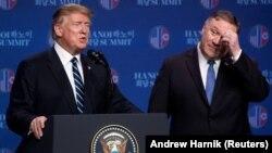 Доналд Тръмп и Майк Помпео дадоха съвместна пресконференция след срещата с Ким Че Ун в Ханой.