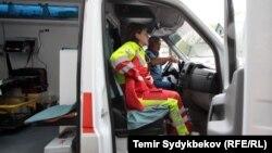 Сотрудники скорой помощи в Бишкеке. Архивное фото.