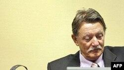 Dragomir Milošević pri izricanju presude, 12. decembar 2007