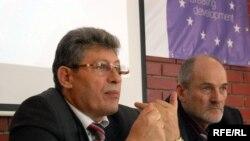 Speakerul Mihai Ghimpu și juristul Victor Popa