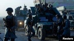 نیروهای امنیتی افغان در محل درگیری