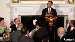 Presidenti amerikan, Barack Obama mban fjalim gjatë iftarit të shtruar në Shtëpinë e Bardhë (ARKIV)