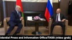 Szocsiba ment Putyinnal tárgyalni a 26 éve hatalomban lévő belarusz vezető.