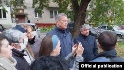 Радий Хәбиров Шота Руставели урамында