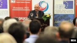 Претседателот на Стопанската комора на Македонија Бранко Азески.