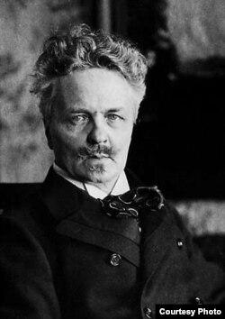 آگوست استریندبرگ، نمایشنامهنویس، شاعر، و نقاش. سال ۱۹۰۰.