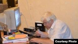 Владимир Алексеев за работой