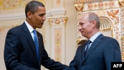 Барак Обама и Владимир Путин в Ново Огарево, 7 июля 2009