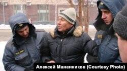 Алексей Мананников, очередное задержание. Новосибирск, 2012 г.