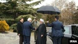 Муҳаммад Жавод Зариф 27 февраль куни президент Ҳасан Руҳоний билан учрашди.