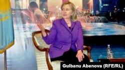Ҳиллари Клинтон Остона учрашувида.