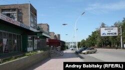 Внаслідок постійних обстрілів жителі Луганська виходять на вулиці лише в разі крайньої потреби