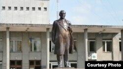 Пам'ятник Леніну у Новгороді-Сіверському