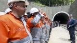 Президент України Петро Порошенко на церемонії відкриття Бескидського тунелю