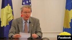 Ambasadori i SHBA-së në Kosovë, Greg Delawie.