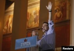 Лідер СІРІЗА Алексис Ципрас виступає на мітингу