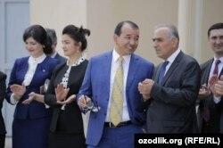 Як гуруҳи фарҳангиёни тоҷик дар шаҳри Тошканд