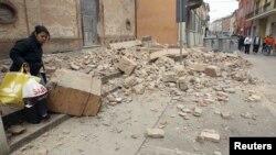 Жер сілкінісі болған Эмилия қаласы. Италия, 20 мамыр 2012 жыл.