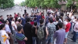 Armenian Demonstrators Stand Firm In Yerevan