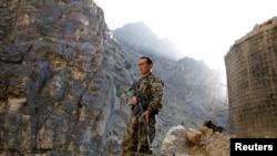 Një ushtar i forcave afgane.