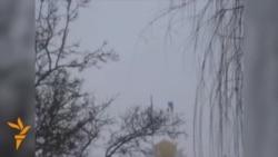 Ukraina: Kyrym hökümet binasynyň üstünde rus baýdagy parlaýar