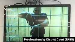Июни соли 2021, Алексей Навалний дар мурофиаи додгоҳие аз утоқи зиндон иштирок мекунад