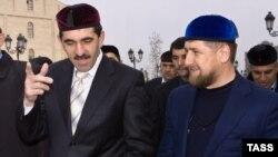 Глава Чечни Рамзан Кадыров (справа) и глава Ингушетии Юнус-бек Евкуров. Грозный, 12 ноября 2012 года.