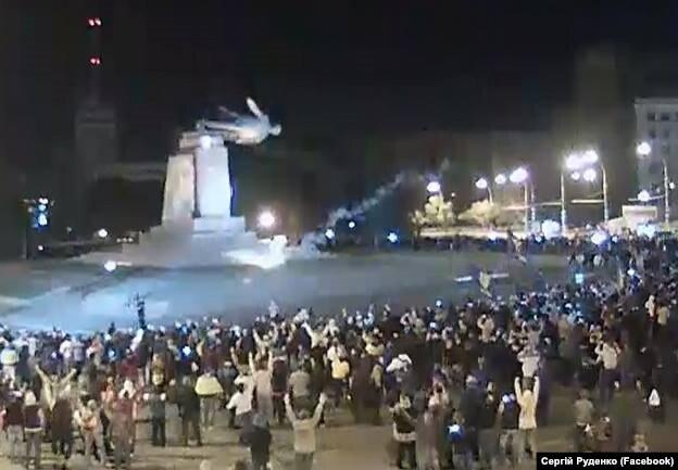 Kharkiv_Lenin_fall