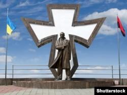 Пам'ятник провіднику ОУН Степану Бандері в Івано-Франківську, 10 серпня 2018 року