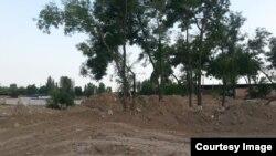 Uzbekistan - Zangiota memorial construction side