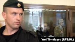 Ходорковского и Лебедева защищают на министерском уровне.