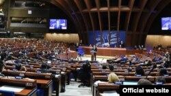 Klaus Iohannis adresîndu-se Consiliului Europei la Strasbourg