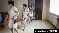 """Жыхары """"вёскі навукоўцаў"""" у судзе — супраць Менгарвыканкаму"""
