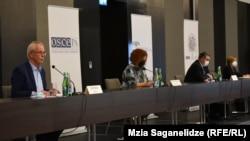 Conferința de presă a misiunii OSCE de observatori la alegerile parlamentare de sâmbătă, 31 octombrie 2020 din Georgia. Tbilisi, 1 noiembrie 2020.