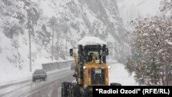 Дорога Душанбе-Худжанд зимой