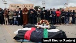 عزاداری برای قربانیان حمله به یک مدرسه نظامی در طرابلس