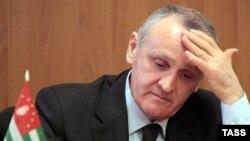 «Президент» самопроголошеної Абхазії Олександр Анкваб пішов у відставку