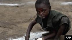 მოშიმშილე ბავშვი კონგოში