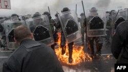 Exerciţii militare ale forţelor KFOR, în apropiere de oraşul Ferizaj, Kosovo, 27 martie 2015
