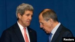 Джон Керрі (л) і Сергій Лавров (п) на зустрічі в Римі, 6 березня 2014 року