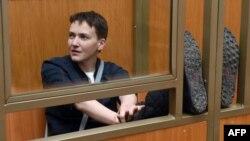 Ուկրաինացի օդաչու Նադեժդա Սավչենկոն դատարանի դահլիճում, արխիվ