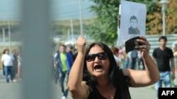 Родственница одного из узников тбилисской тюрьмы, по ее утверждению, убитого в заключении