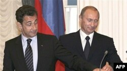 Слова Саркози, что по спорным вопросам с Москвой наметился прогресс, кажутся наблюдателям необоснованными