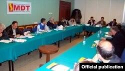 SMDTM seçki sistemi, vətəndaş cəmiyyəti və demokratiyanın inkişafı yönündə çalışan qeyri-hökumət təşkilatıdır.